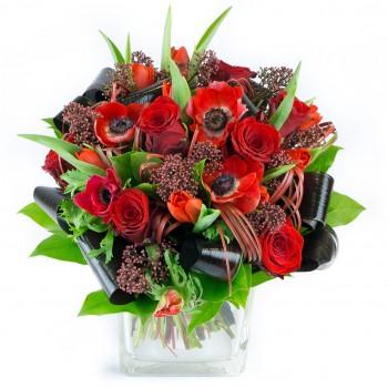 Bouquet de roses et anémones rouges