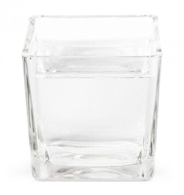 Vase carré en verre