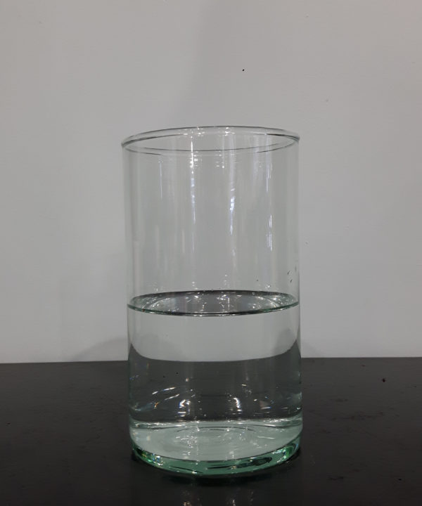 vase transparent seul